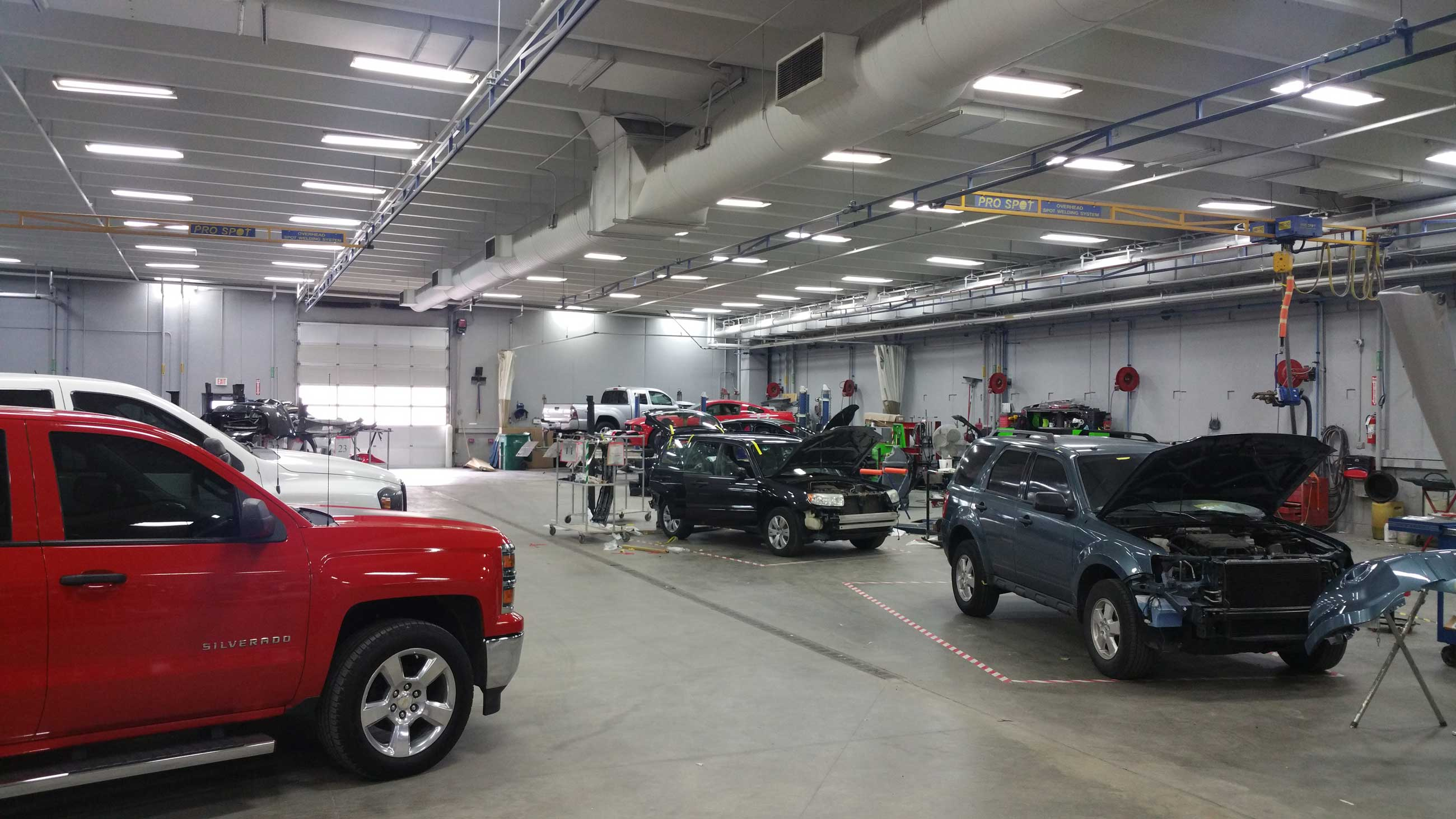 24 popular auto body near wichita for Family motors wichita ks